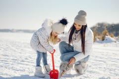 Mama e hija fotos de archivo libres de regalías