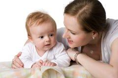 Mama mit Kleinkind stockfoto
