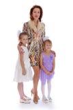 Mama obejmuje córki zdjęcia royalty free