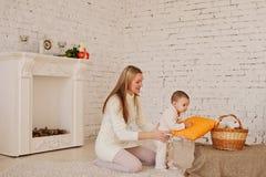 Mama und Schätzchen Stockfoto