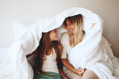 Mama z tween córką Zdjęcia Royalty Free
