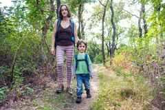 Maman et bébé de voyage Photographie stock