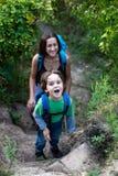 Maman et bébé de voyage Photo libre de droits
