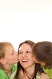 Maman et enfants heureux photos stock