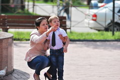 Maman et fils Photos libres de droits