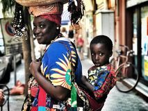 Maman et fils africains Photographie stock