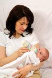 Maman et petit bébé photographie stock