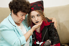 Maman inquiétée de l'adolescence fâchée Images libres de droits