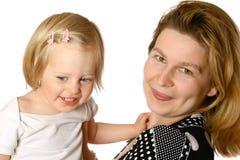 Maman jouant avec la fille d'enfant en bas âge Photo stock