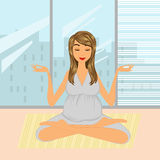 Maman pour pratiquer le yoga Image stock