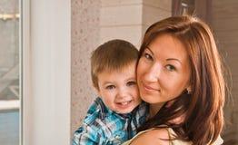 Mami y bebé. Imagenes de archivo