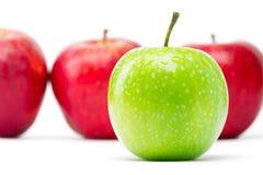 Pommes vertes et rouges Image libre de droits