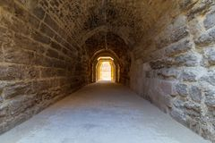 Mamluk era wysklepiająca dryluje tunelowy prowadzić al Bimaristan antyczny szpital, Kair, Egipt zdjęcie royalty free