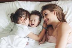 Mamma con i bambini Immagini Stock Libere da Diritti