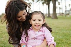 Mamma e figlia Fotografie Stock Libere da Diritti