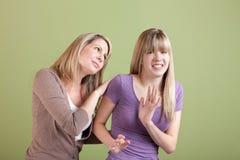Mamma e teenager infastidetto immagini stock