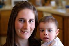 Mamma en Baby Royalty-vrije Stock Afbeeldingen