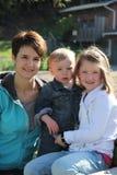 Mamma en kinderen royalty-vrije stock afbeelding
