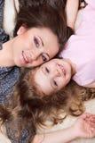 Mamma en meisje Stock Fotografie