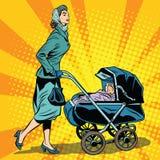 Mamma en wandelwagen met baby Royalty-vrije Stock Afbeelding