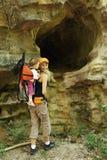 Mamma met baby op een reis Stock Afbeelding