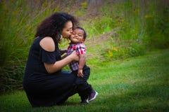 Mamma och barn Arkivbild