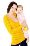 Mamma und kleiner Junge führen die gesunde Lebensart Stockbild
