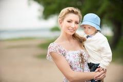 Mamma und Sohn Lizenzfreie Stockfotografie