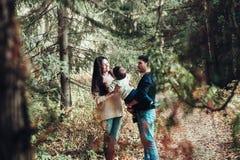 Mammafarsa och son Fotografering för Bildbyråer