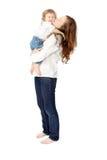 Mammakyssar behandla som ett barn Royaltyfria Foton