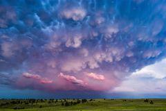 Free Mammatus Clouds And Stormy Sky At Sunset. Royalty Free Stock Photo - 131090125