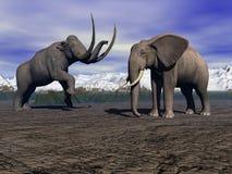 Mammoth e elefante Fotografia de Stock Royalty Free