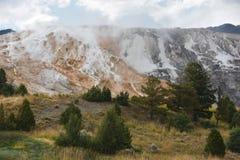 Mammoth Hot Springs alla sosta nazionale del Yellowstone Fotografia Stock