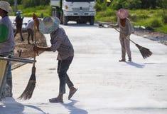 Mampostería del trabajador de construcción seca Fotografía de archivo