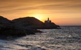 Mamrocze latarnię morską przy świtem Zdjęcie Stock