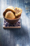 Mamul -土耳其点心用搽粉的糖 库存照片