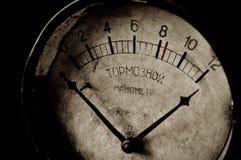 Manómetro oxidado viejo del freno Imagen de archivo