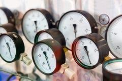 Manómetros, indicadores de presión, sondeando el equipo Foto de archivo libre de regalías