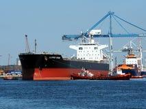 Manövrar för lastfartyg'Clipperviking ' royaltyfri foto