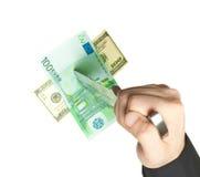 Man baktalat isolerade euro och dollar Royaltyfri Foto