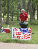 Man barbecues at Tea Party Rally Stock Photography