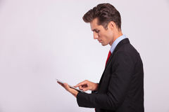 Man browsing on touch screen Royalty Free Stock Photography