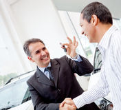 Man buying a car Royalty Free Stock Photography