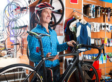 Man Buying New Racing Bicycl Royalty Free Stock Photo