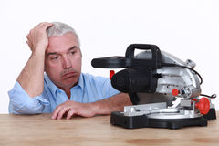 Man with circular saw Royalty Free Stock Photos
