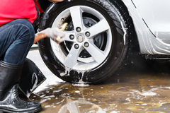 Man cleaning car Royalty Free Stock Images