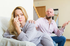 Man consoling the depressed woman Royalty Free Stock Images