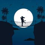 Man de omhelzingssilhouet van het vrouwenpaar met maan op de achtergrond bij brug romantische scène Stock Foto