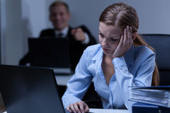 Man deriding female co-worker Royalty Free Stock Photos