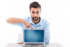 Man at desk with laptop Royalty Free Stock Photography